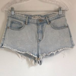 Bullhead Light Wash High Rise Jean Shorts sz 7